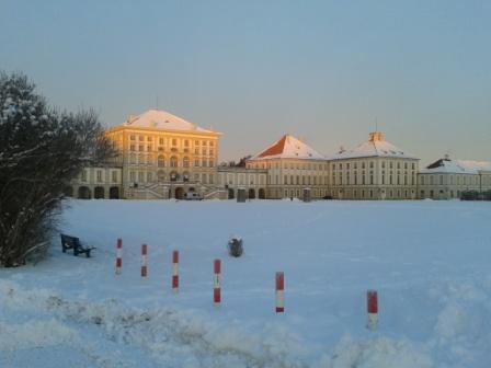 Im Volontariat textete ich viel im Nymphenburger Schloss. Hier eine Ansicht im Winter. Apps, Doktorabeit, Ausstellung, Social Media und Blogs - die Textsorten sind verschieden, die Leser auch, entsprechend verändert sich der Schreibstil.