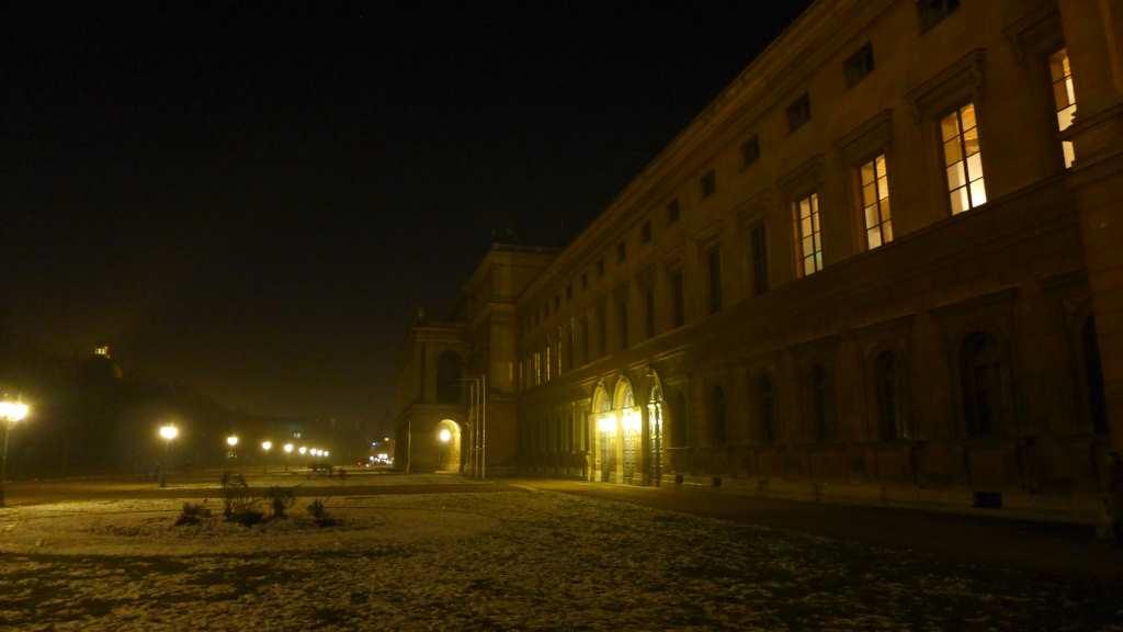 Die Residenz München von der Hofgartenseite im Winter - traumhaft schön!