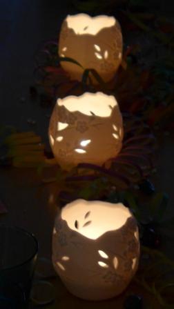 Warum sollten Archive bloggen? Für Archive gilt dasselbe wie für Museen: Es dient des Austausches und der Steigerung der Sichtbarkeit. Deshalb die leuchtenden Kerzen im Dunklen.