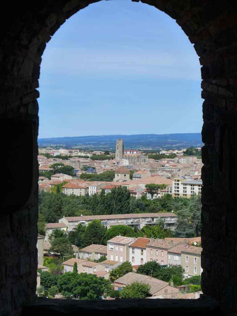 Ausblick auf Carcassonne von einem Wehrturm aus gesehen.