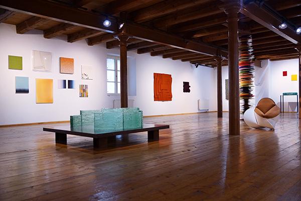 """Die Aufführung von """"Nipple Jesus"""" in der Galerie Renate Bender.  Foto: Pamela Maieli © Galerie Renate Bender"""