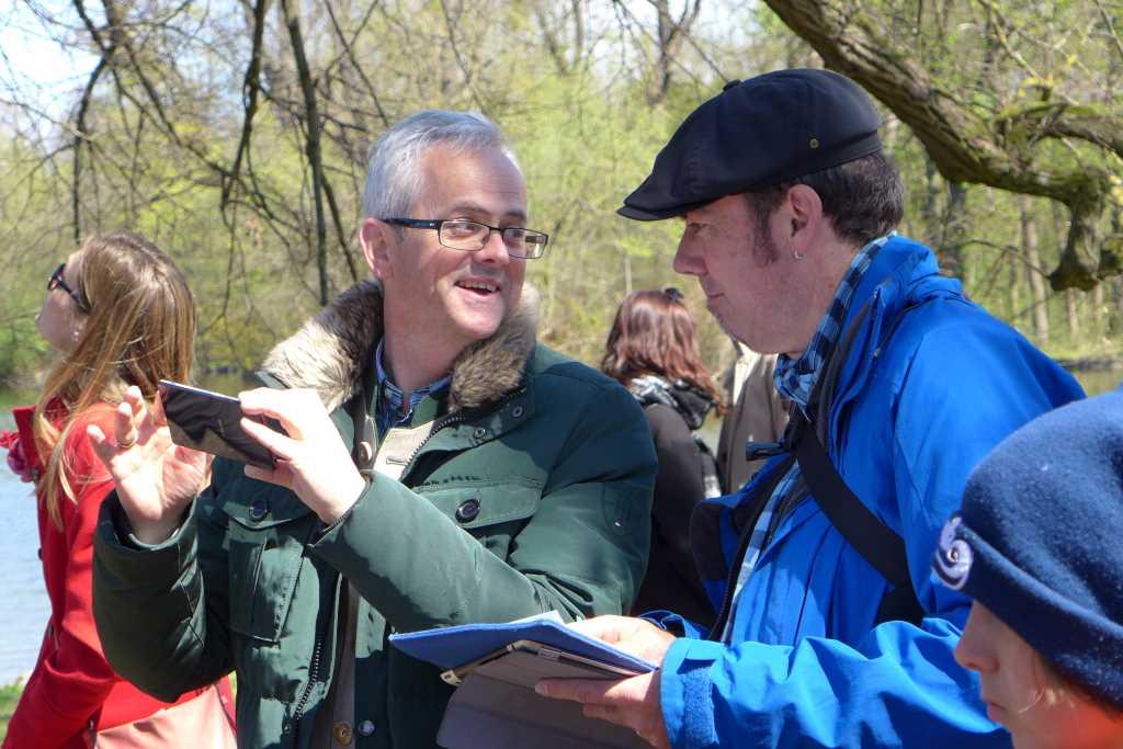 An der Badenburg weist Herr Schreiber den SZ Reporter Tom Soyer ein - schnell gelernt!