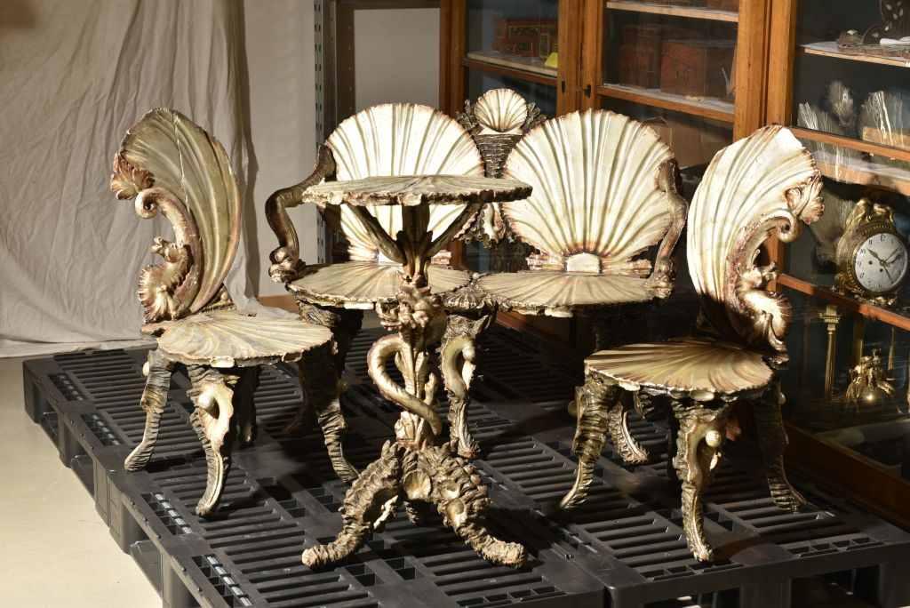 Skurrile Grottenmoebel aus dem 19. Jahrhundert waren bei Sammlern beliebt. Omg-Ausstellung in Karlsruhe