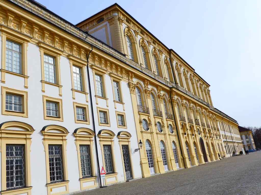 Youtube pro Kultur und das Neue Schloss Schleissheim - das erste Kultur-Video von Tanja Praske!