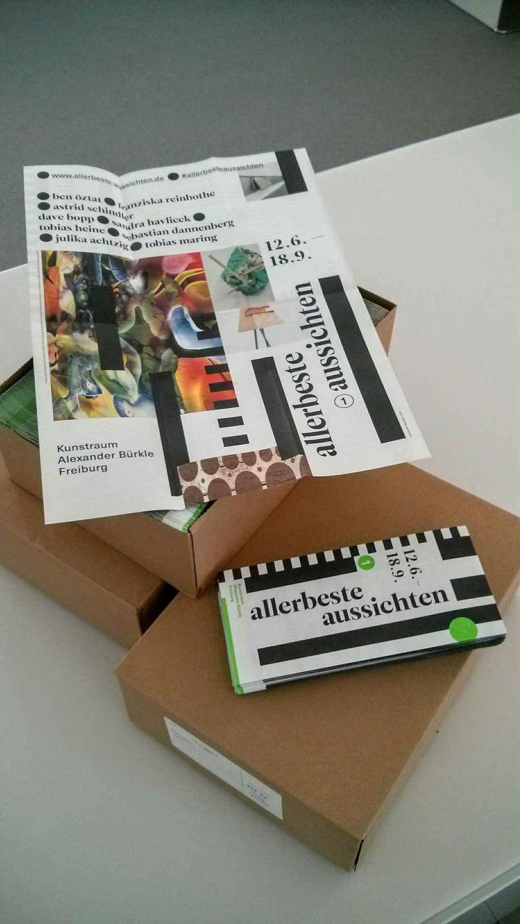 Frisch eingetroffene Einladungsflyer zu #allerbesteaussichten, geposted bei Instagram: Foto: Eveline Weber. Kunstraum Alexander Bürkle #KultTrip.