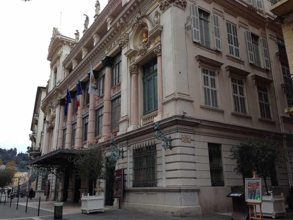 Blick auf die Fassade der Opéra de Nice, Nizza.