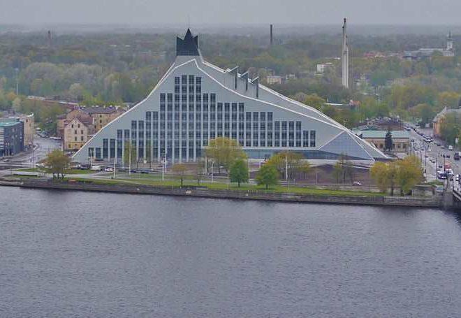 Blick vom Turm der Petrikirche in Riga zur Nationalbibliothek. Tagungsort der 'Europeana Network Association' im November 2016. Mit Projekt Europeana 2014-2018
