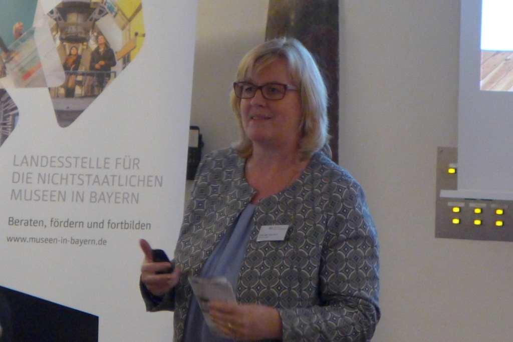 Anke von Heyl stellt Kriterien für Blogger Relations aus Sicht einer Kulturbloggerin vor. Was müssen Museen beachten. #Anker16