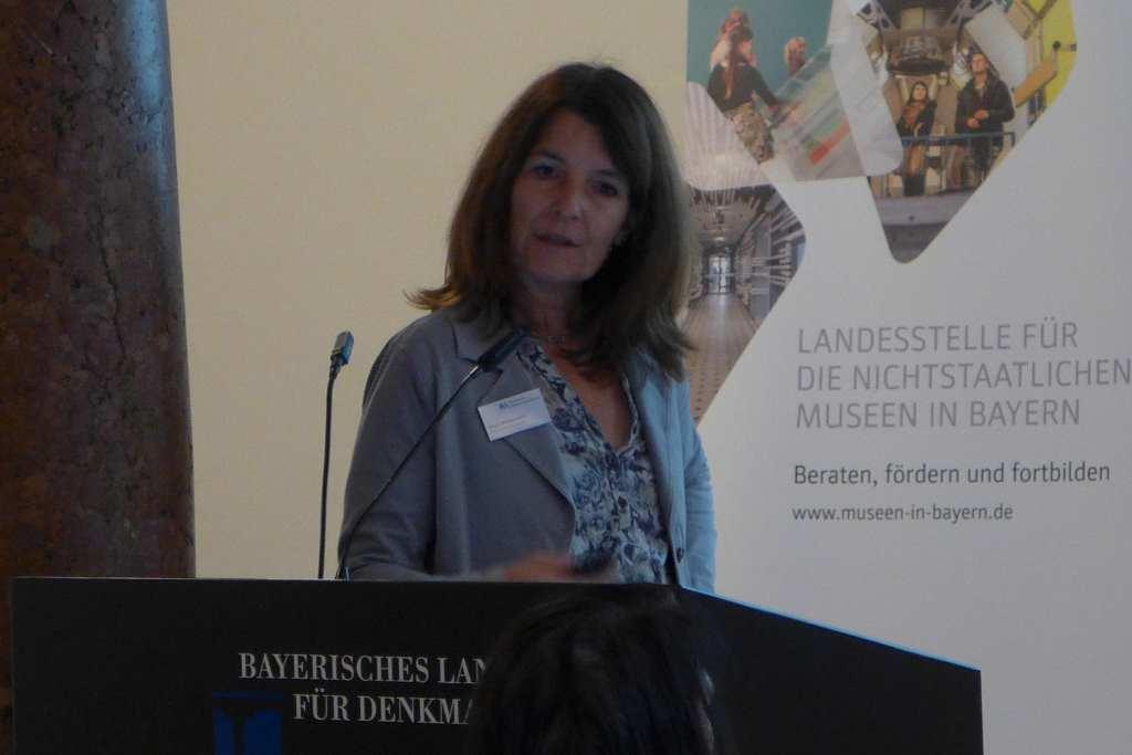 Birgit Hohenstein berichtet über Idee und Entwicklung des Gemeinschaftsblog der Museen der Stadt Nürnberg und kooperatives Bloggen. #Anker16