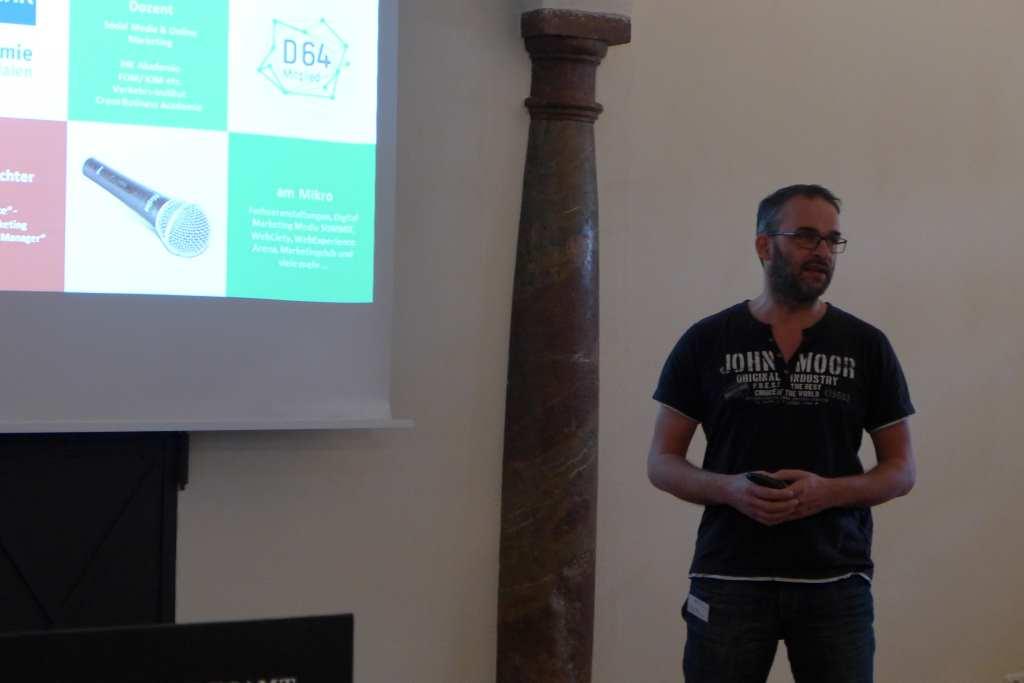 Thorsten Ising stellt seine Erfolgskriterien füs Bloggen auf der #Anker16-Tagung vor.