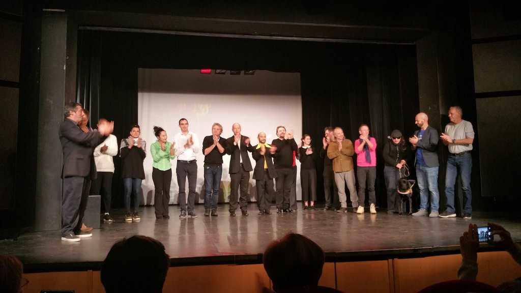 """Die Künstler der Benefiz-Veranstaltung """"Nice - Berlin. Solidar-t-ité auf der Bühne des Théâtre Francis Gag in Nizza."""
