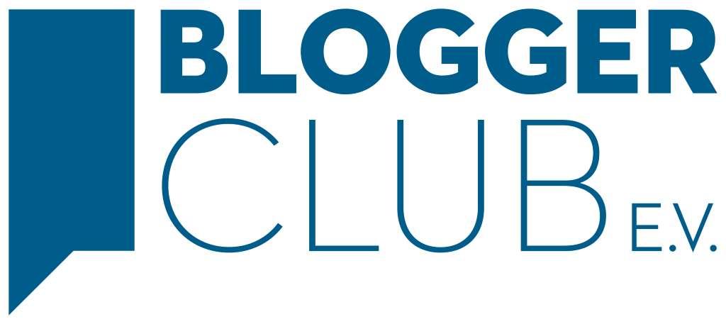 Logo des neugegründeten Bloggerclub e. V. in blauer Schrift.