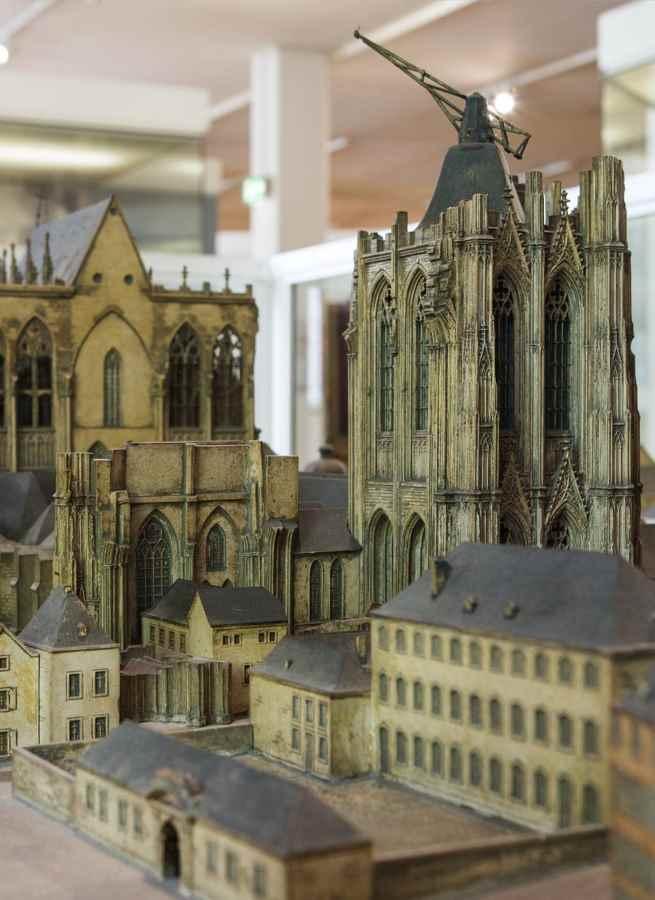 Der Domkran – Markenzeichen des Stadtpanoramas und beliebt bei den Kölner Bürgern, Modell: Hans Boffin. Koelnisches Stadtmuseum, #depotdienstag.