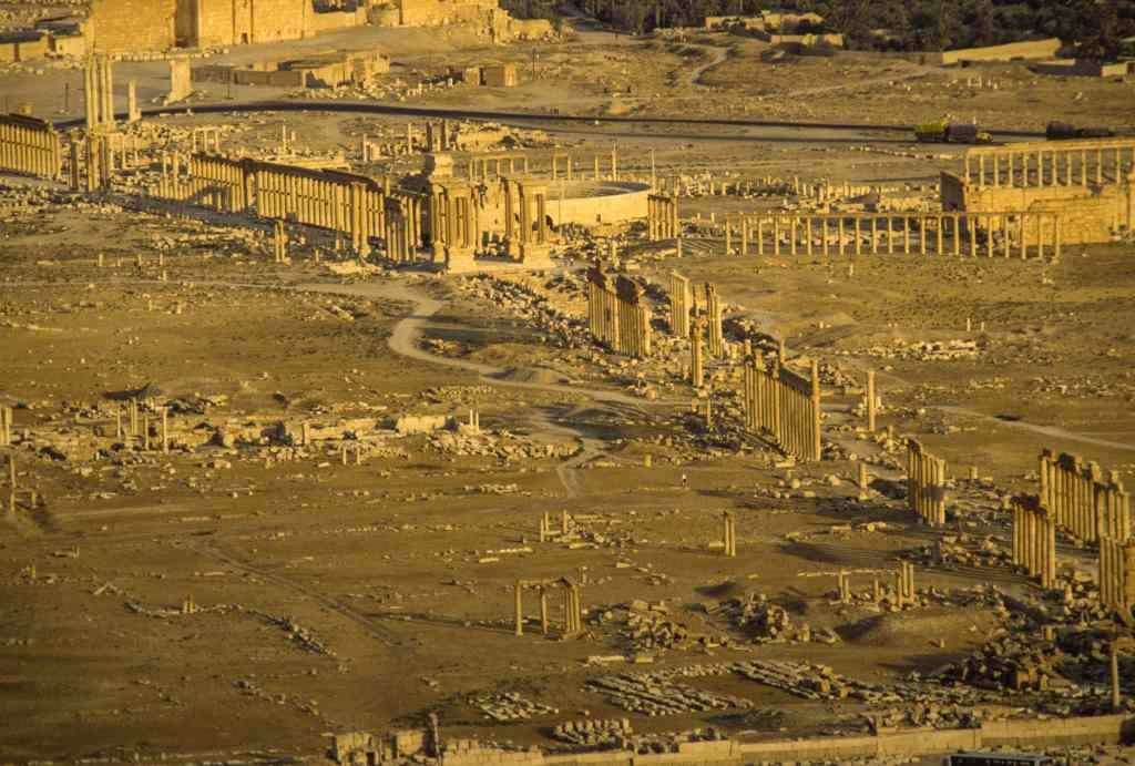 Aufsicht auf Palmyra 1997. Die Ruinenstadt stand für eine lange, beeindruckende Kultur. Jetzt ist sie zerstört.