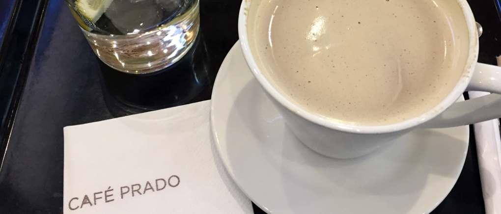 Das Café Prado ist Anke Gröners Liebslingscafé. Titelbild zum Montagsinterview über Berufswechsel, Bloggen und Kunstgeschichte auf Kultur-Museum-Talk