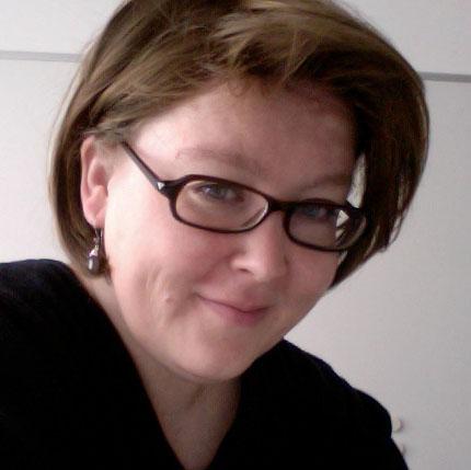 Porträtaufnahme von Anke Gröner. Montagsinterview über Berufswechsel, Bloggen & Kunstgeschichte auf Kultur-Museum-Talk