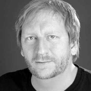 Porträtaufnahme in schwarz-weiß von Björn Kindler von den Instagramers Munich.