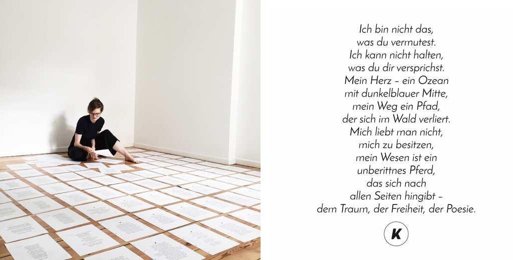 Aktuell arbeitet Kea an ihrem ersten Lyrikband. Kea hockt auf dem Boden, um sie herum fein säuberlich geordnet Papier mit ihrer Lyrik.
