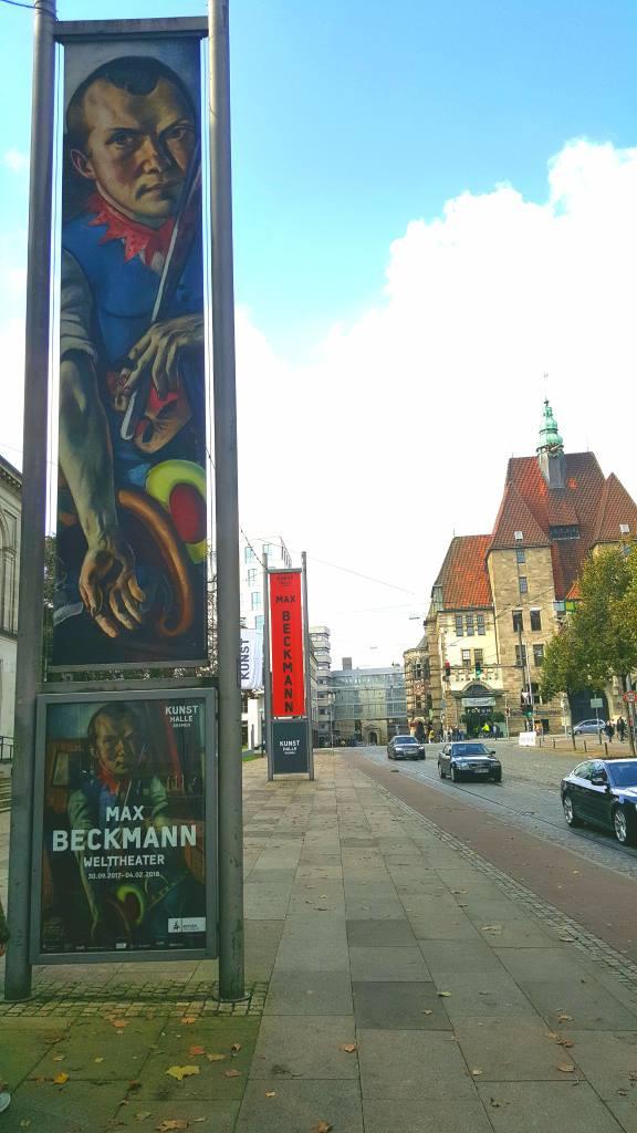 Am Wall, Bremen. Blick auf die Stadtbibliothek, links Kunsthalle Bremen. Foto: Luca Jacobs. digitale Kultur, Beitrag zur Blogparade #KultBlick