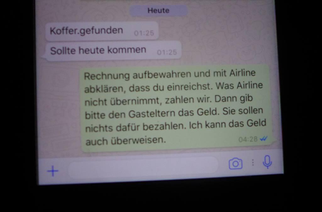 Whatsapp Dialog über Kofferverlust auf Flugreise und was zu tun ist. Mittlerweile sind die Koffer wieder aufgetaucht.