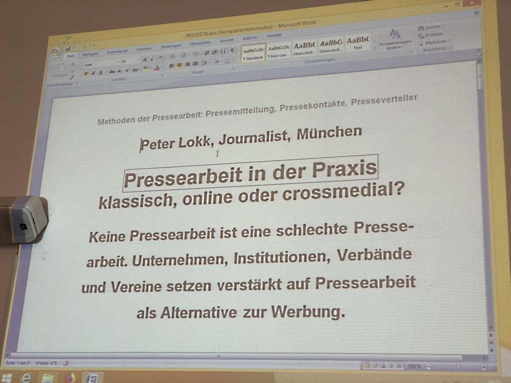 Screenshot an Wand geworfen mit Grundlagen zur Pressearbeit.