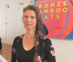 Die Tänzerin und Choreografin Aafke de Jong zählt international zu den besten Tänzerinnen des balinesischen Legong Kraton