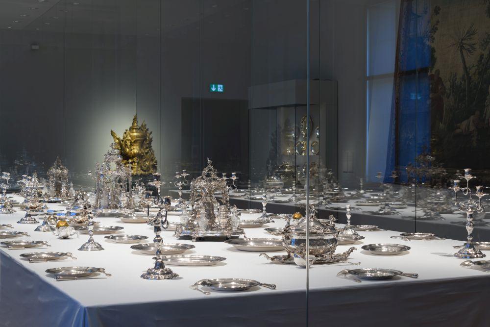 Raumansicht Tafelgeschirr im Bayerischen Nationalmuseum, Silber, Tafelaufsätze. #BarockerLuxus im Bayerischen Nationalmuseum
