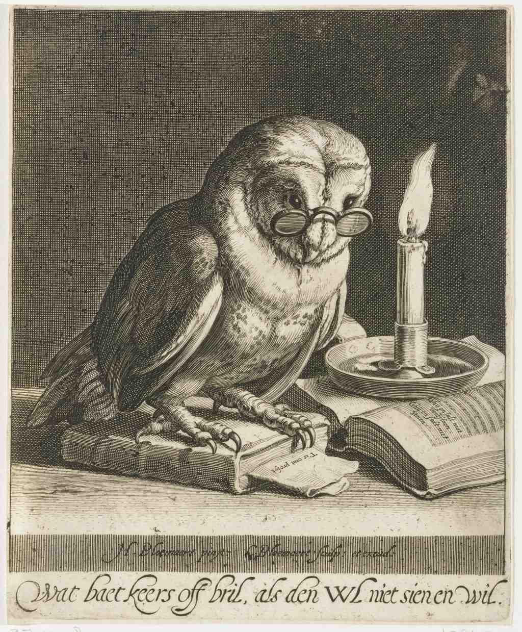 """Cornelis Bloemaert, """"Eule mit Brille und Büchern"""", Radierung,1625, 22 x 18 cm. Sammlung Rijksmuseum Amsterdam, gemeinfrei, über Europeana."""