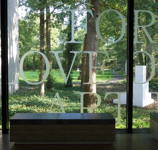 Kröller-Müller Museum - Ausblick in den Skulpturengarten. Bild: Peter Soemers, CC BY-SA