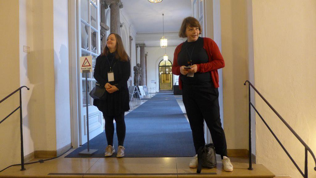 Christina Sebastian und Gesine Zenker in der Residenz München begrüßen die Teilnehmer zum ersten InstaWalk der Bayerischen Schlösserverwaltung in der Residenz München. Jahresrückblick 2018