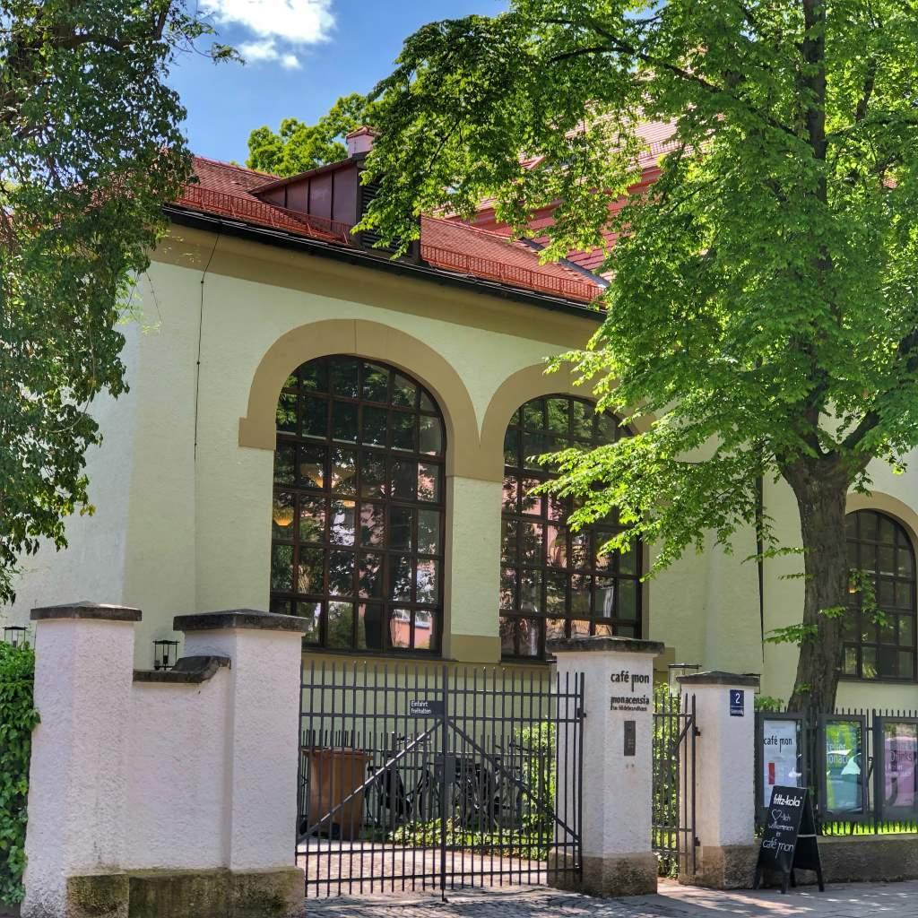 Monacensia im Hildebrandhaus zeigt ab Oktober 2019 eine Ausstellung über Erika Mann. Ausstellungen in München im Herbst/Winter 2019 - 2020.